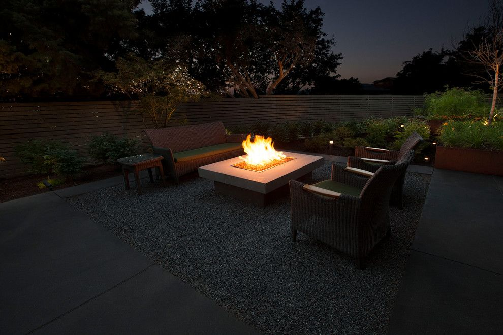 Landform for a Modern Landscape with a Modern and Quail Point Road by Landform Design Group