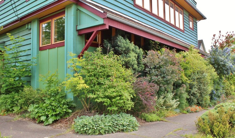 Leaf Cutter Bees for a Eclectic Landscape with a Theft Deterrants and Seattle Organic Garden by Kimberley Bryan