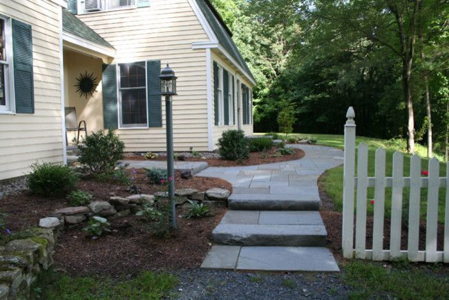 Lencioni for a Transitional Landscape with a Entry and Frontyard Projects by Perennial Landscaping