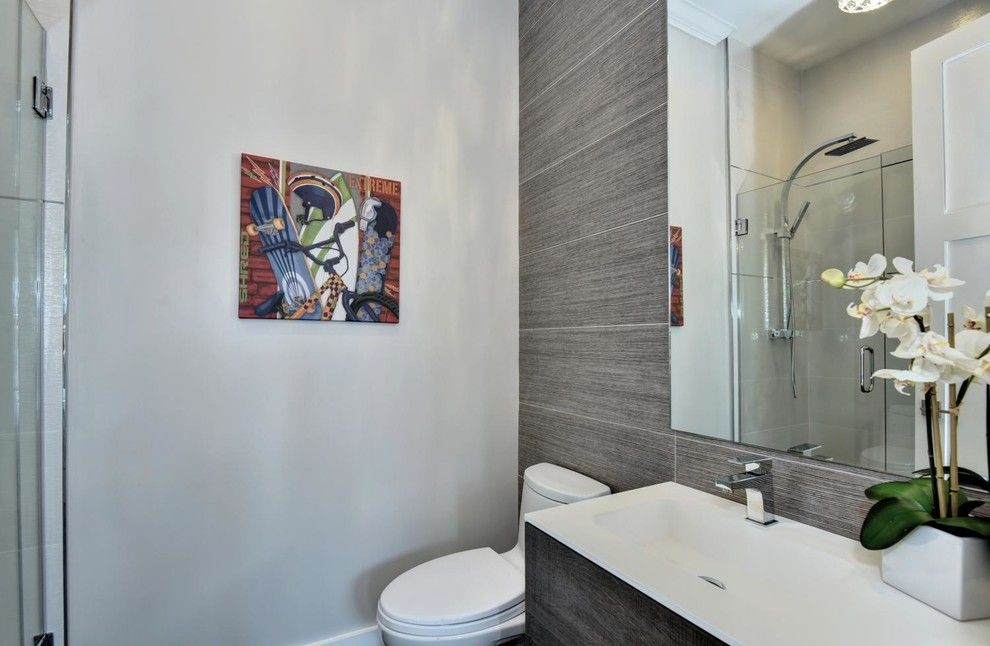 Los Lunas High School for a Modern Bathroom with a Svhomes and Google's Backyard! by Beyond Vt Marketing