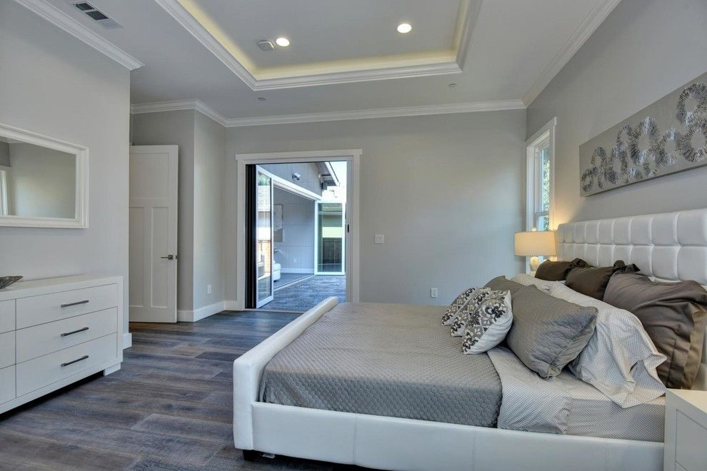 Los Lunas High School for a Modern Bedroom with a European and Google's Backyard! by Beyond Vt Marketing