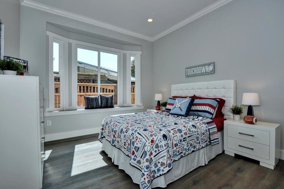 Los Lunas High School for a Modern Bedroom with a Modern and Google's Backyard! by Beyond Vt Marketing