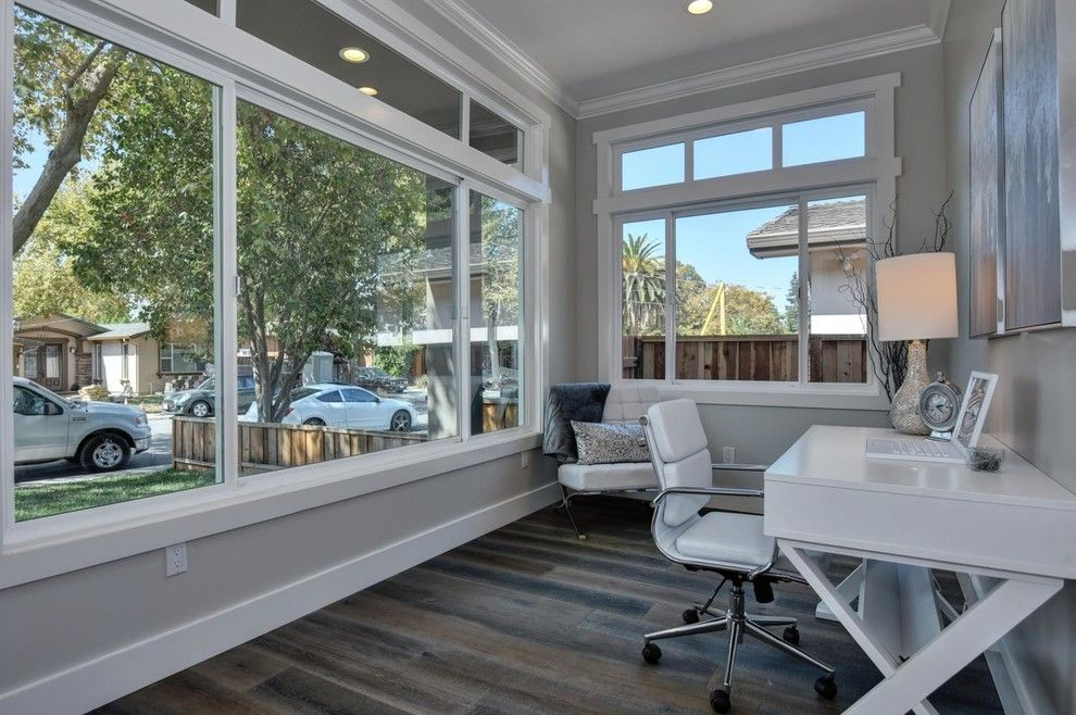 Los Lunas High School for a Modern Home Office with a Svhomes and Google's Backyard! by Beyond Vt Marketing