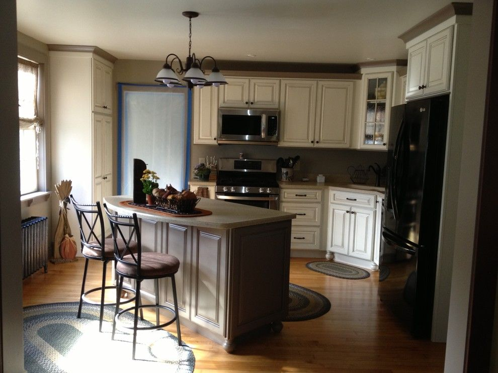 Lowes Concord Nh for a Farmhouse Kitchen with a Combination Color Kitchen Perspective and Starling, Rollinsford, Nh by Lowe's of Rochester, Nh