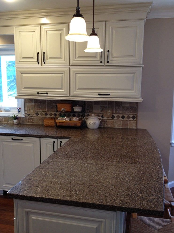Lowes New Castle Pa for a Traditional Kitchen with a Shenandoah and Shenandoah  Mckinley Maple Cream Glaze by Lowe's of Avondale, Pa