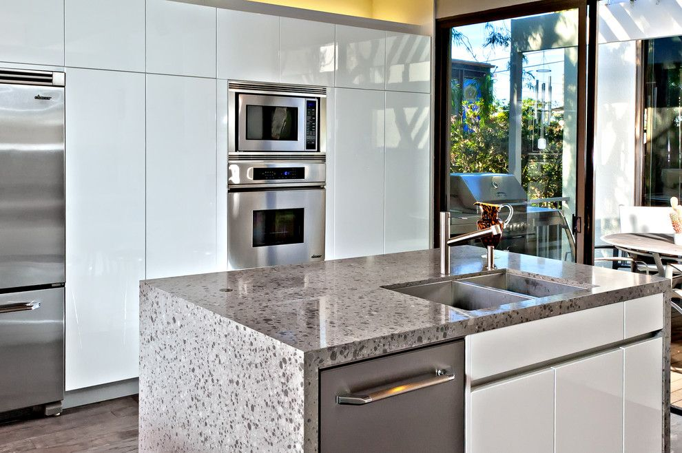 Lowes San Diego for a Modern Kitchen with a Compact Kitchen and San Diego Contemporary Kitchen by Jamie Gold, Ckd, Caps
