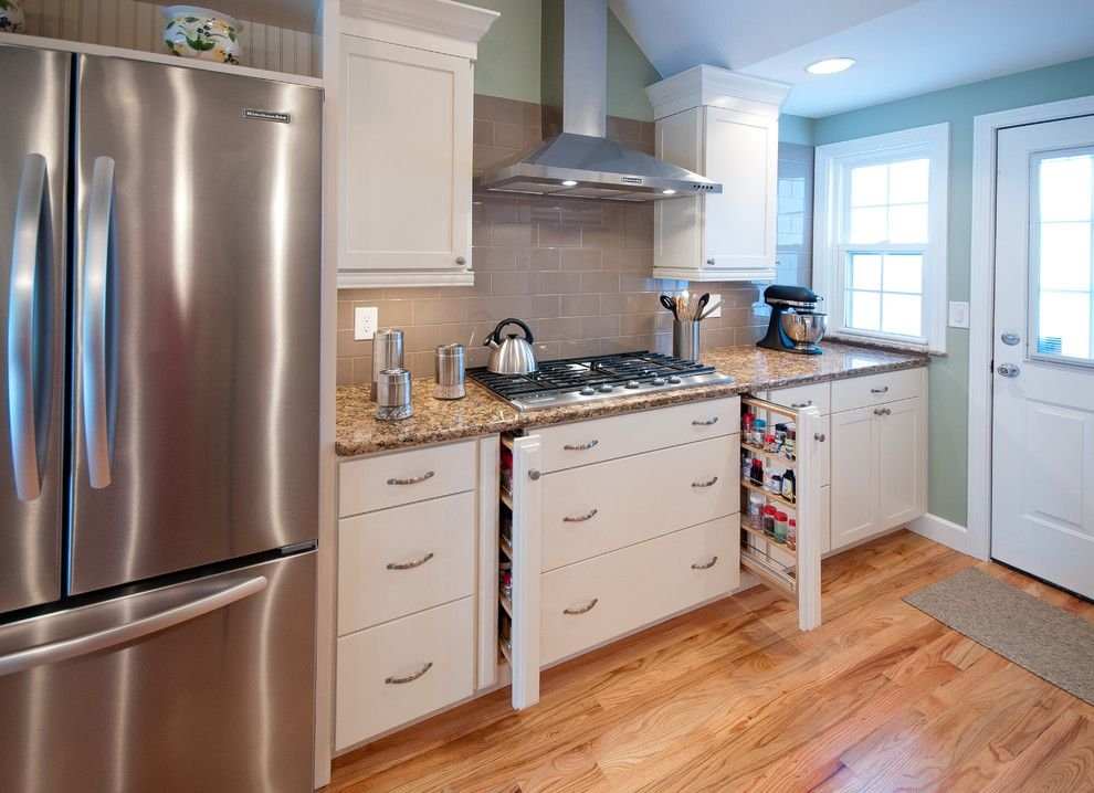 Lowes Warwick Ri for a Traditional Kitchen with a Eggshell Color Cabinets and Warwick, Ri   Kitchen Remodel by Insperiors, Llc