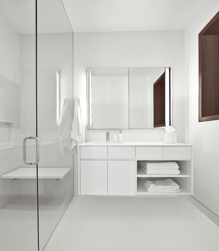 Luxe Hotel Sunset for a Industrial Bathroom with a Floating Vanity and Mid North Residence by Vinci | Hamp Architects
