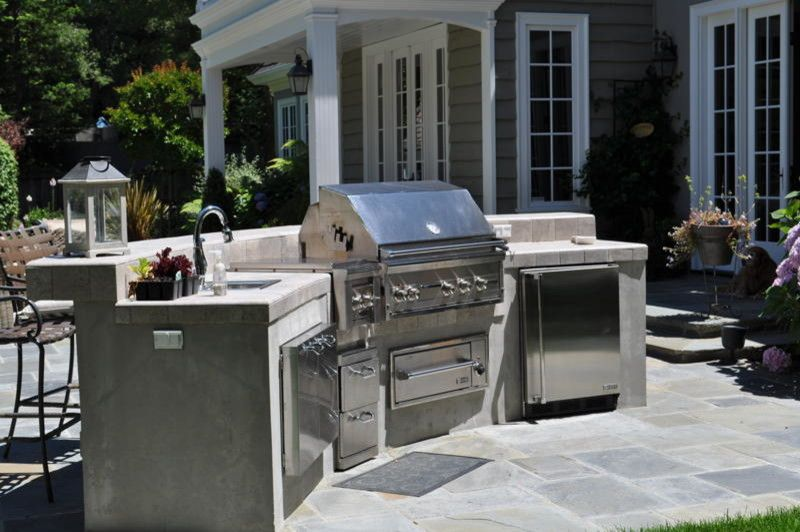 Marbeck Appliance for a Traditional Patio with a Barbecue and Back Yard Elements by Alliance Construction