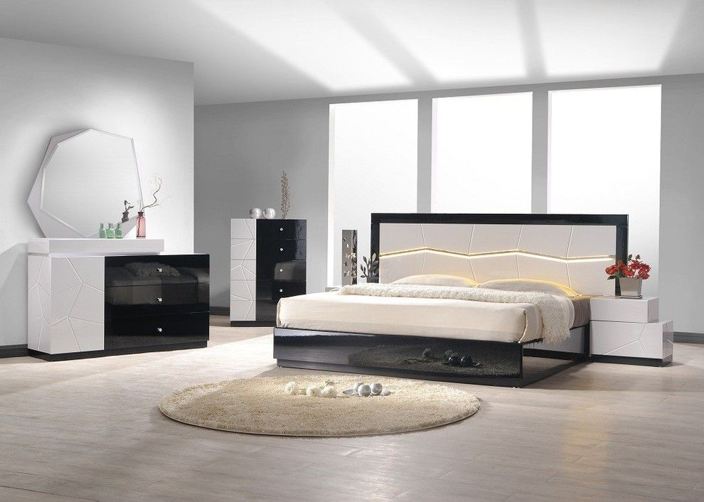 Melrose Discount Furniture for a Modern Bedroom with a Bedroom Set and J&M Furniture Turin Bedroom Set in Light Grey and Black Lacquer by Quality Furniture Discounts