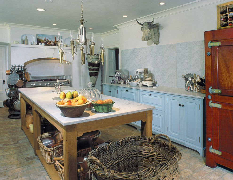 Metairie Small Animal Hospital for a Farmhouse Kitchen with a Wall Art and French Country by Bluebell Kitchens
