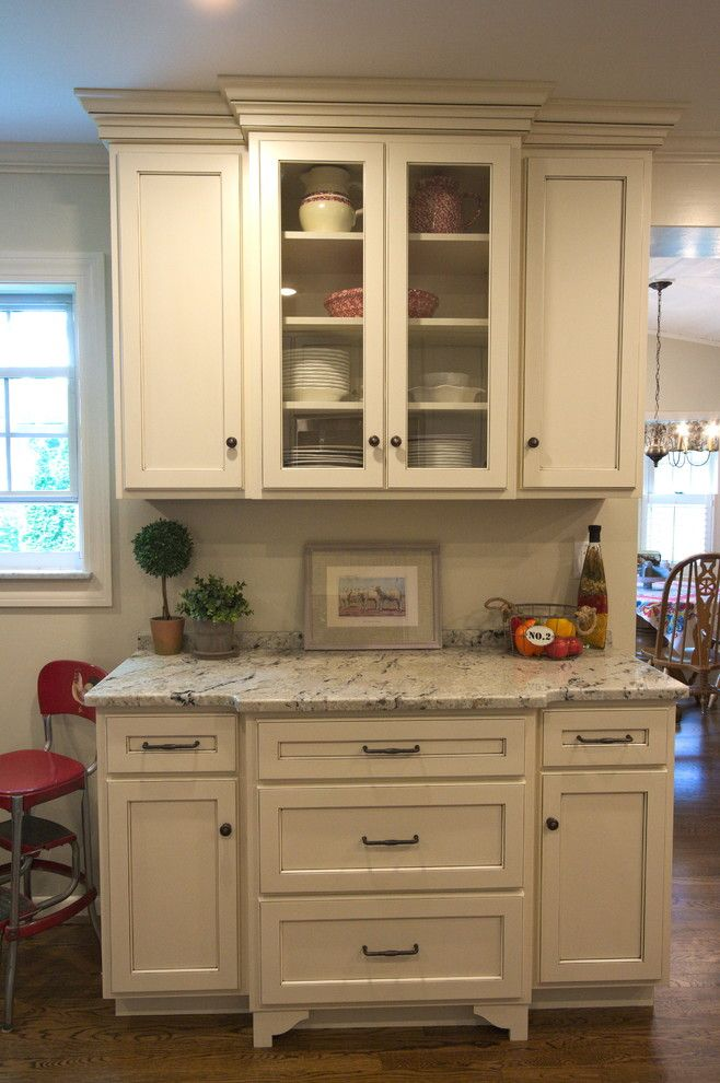 Meyer Appliance for a Farmhouse Kitchen with a Dual Finish and Kitchen M2 by Stellar Cabinetry