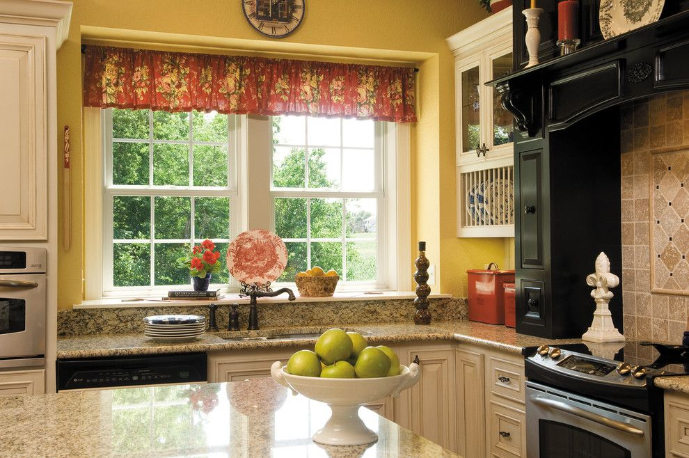 Midwest Appliance for a Traditional Kitchen with a Pella and Windows & Doors by Lindus Construction/midwest Leafguard
