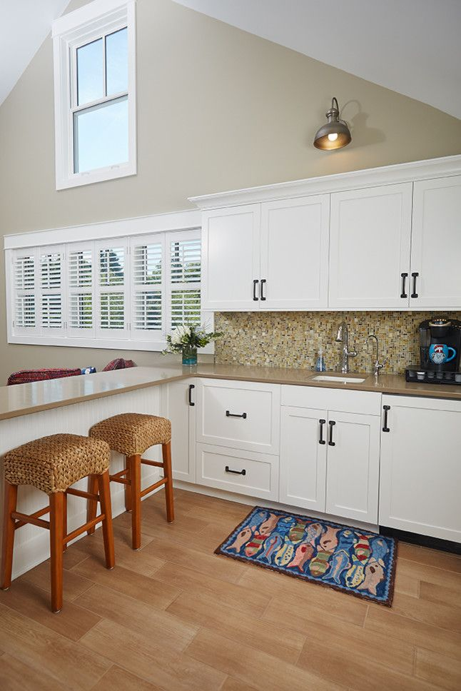 Mike Scott Plumbing for a Beach Style Spaces with a Kitchen and Lake Living to the Fullest! by Scott Christopher Homes