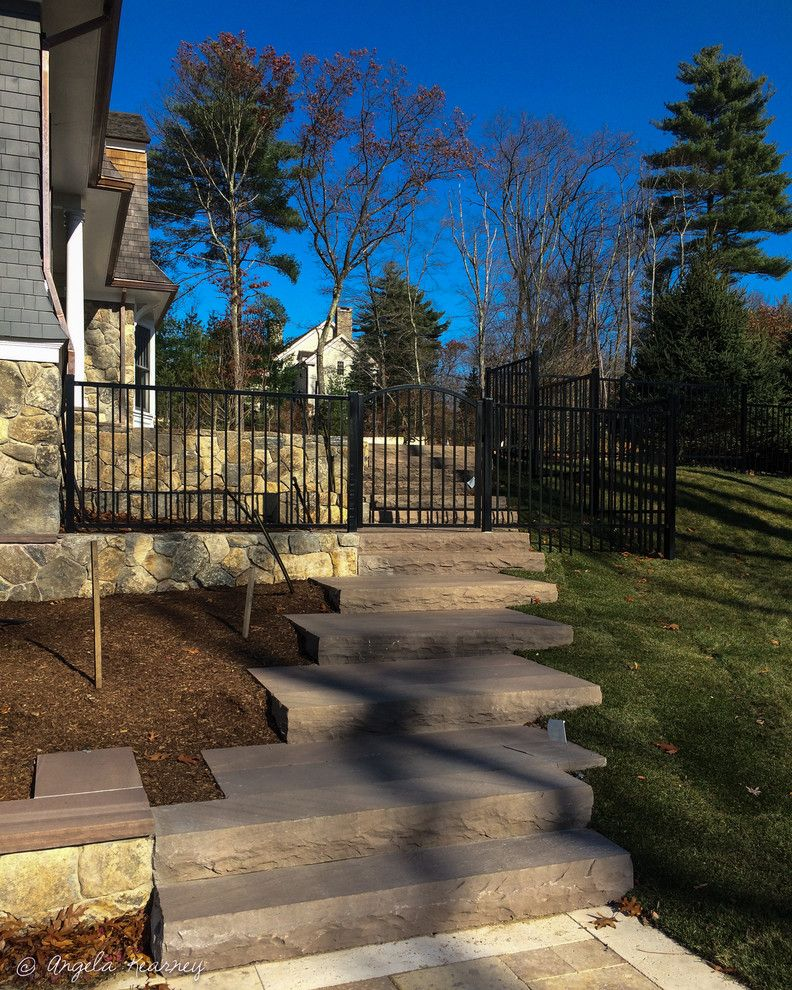Minglewood for a Contemporary Landscape with a Fence and Gate on Slope and Sanderson Knoll by Minglewood