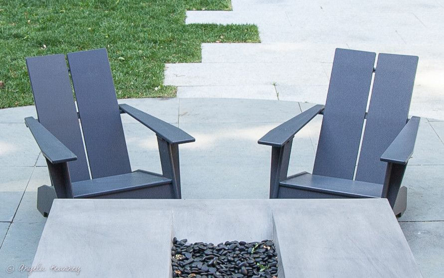Minglewood for a Contemporary Landscape with a Outdoor Grill Built in and Watertown Modern Farmhouse by Minglewood