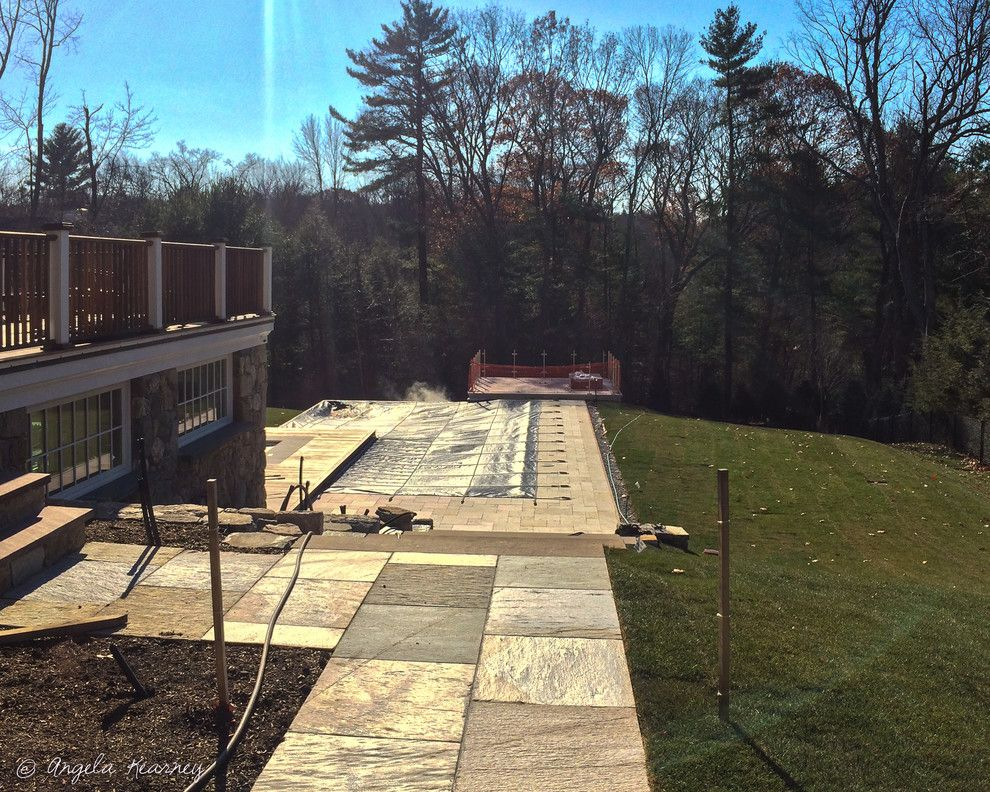 Minglewood for a Contemporary Pool with a Woodland Edge and Sanderson Knoll by Minglewood
