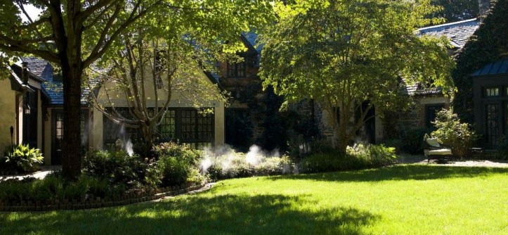 Mister Mosquito for a Traditional Spaces with a Backyard Mosquito Control and Mr. Mister Member Homes by Mr. Mister Mosquito Control