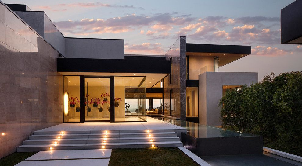 Monolithic Slab for a Contemporary Exterior with a Contemporary and Sunset Strip by Mcclean Design