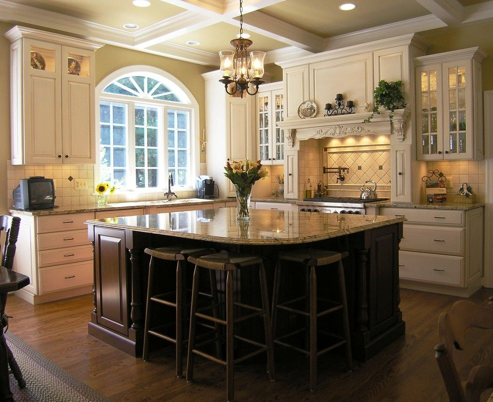 Mosaic Cafe Tucson for a Contemporary Kitchen with a Wood Mullions and Macgibbon Kitchen 4 by Cameo Kitchens, Inc.