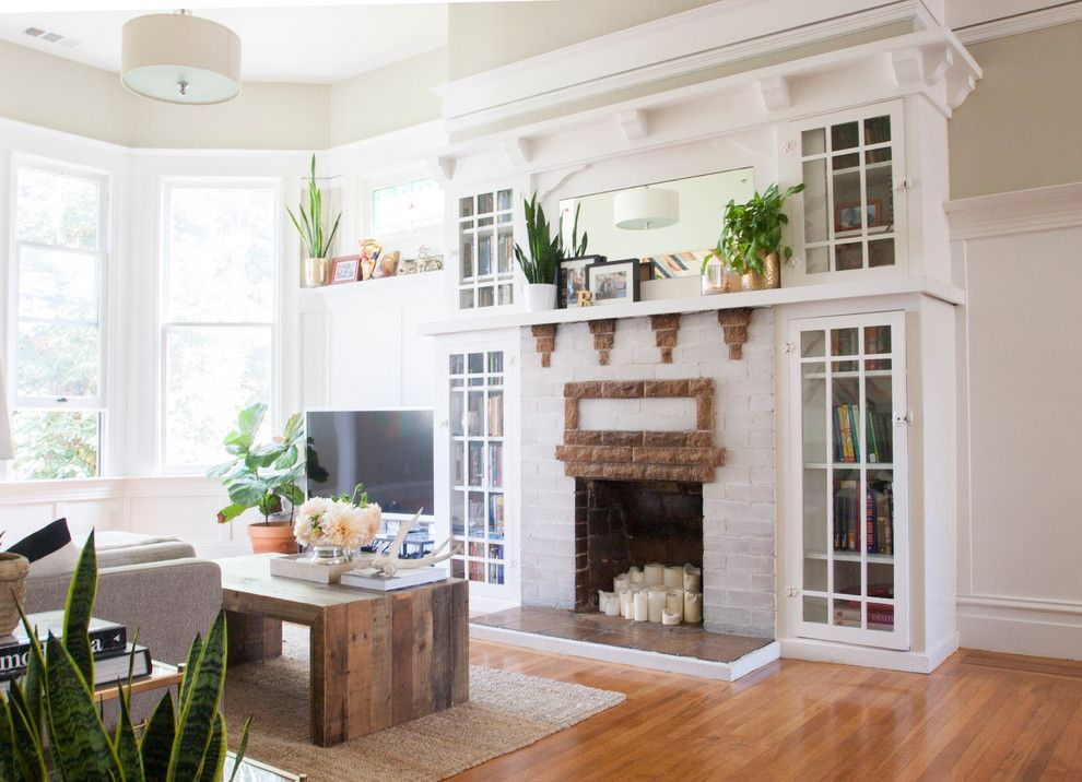 Must See in San Francisco for a Eclectic Living Room with a Brick Fireplace Surround and My Houzz: Laid Back Casual Style in a San Francisco Home by Le Klein
