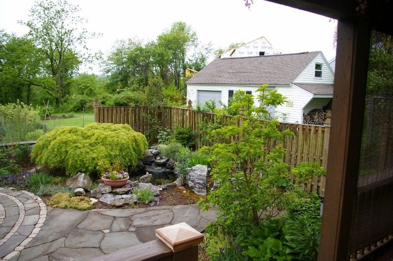Natureworks for a Eclectic Landscape with a Courtyard and Courtyard Garden by Natureworks Horticultural Services