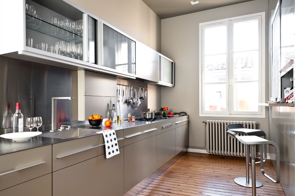 Nicolas De Stael for a Contemporary Kitchen with a Placards Vitrs and Appartement De Type Haussmannien by Daphné Serrado Architecte D'intérieur
