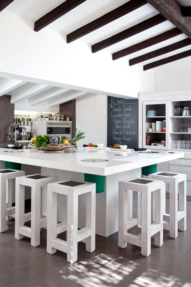 Nicolas De Stael for a Mediterranean Kitchen with a Taburetes De Bar and Kid's Club Marbella Club by Silvia Paredes Photographer