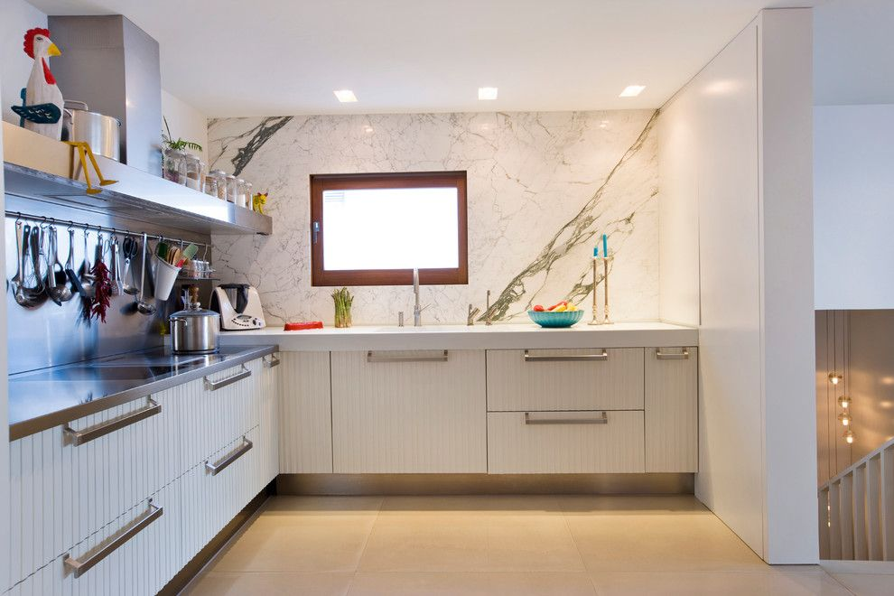 Nicolas De Stael for a Transitional Kitchen with a Contemporary Living Room and Can Pep Simo by Romano Arquitectos S.l.p.u.