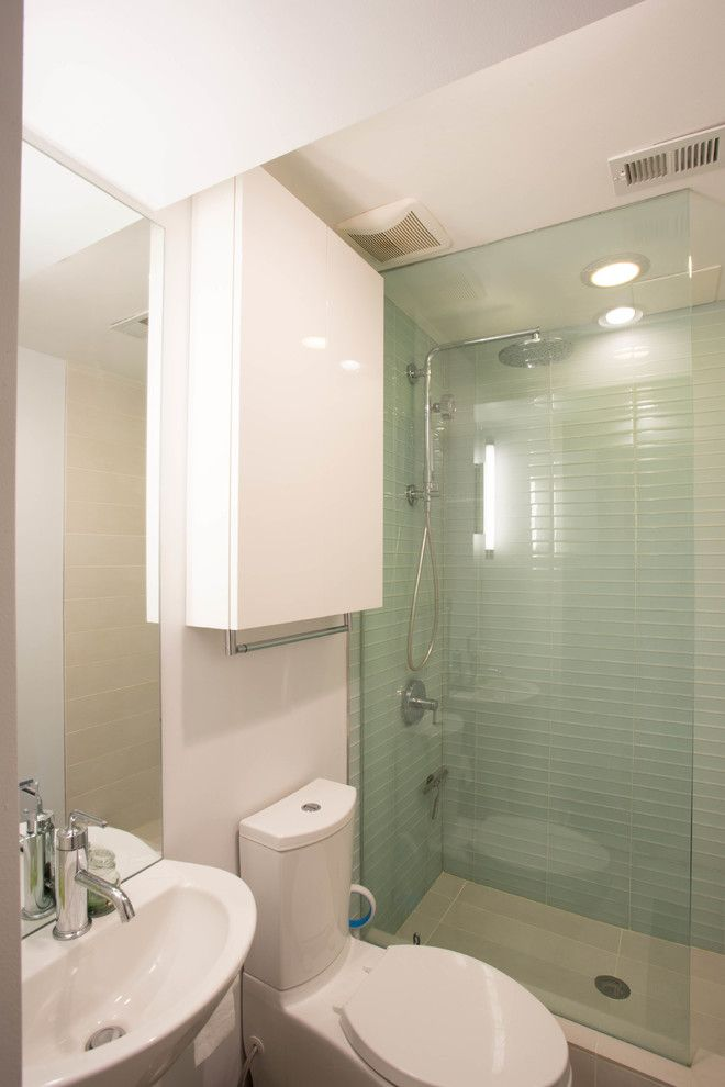 Northen for a Modern Bathroom with a Modernsink and Columbia Heights Condo Renovation by en Architects