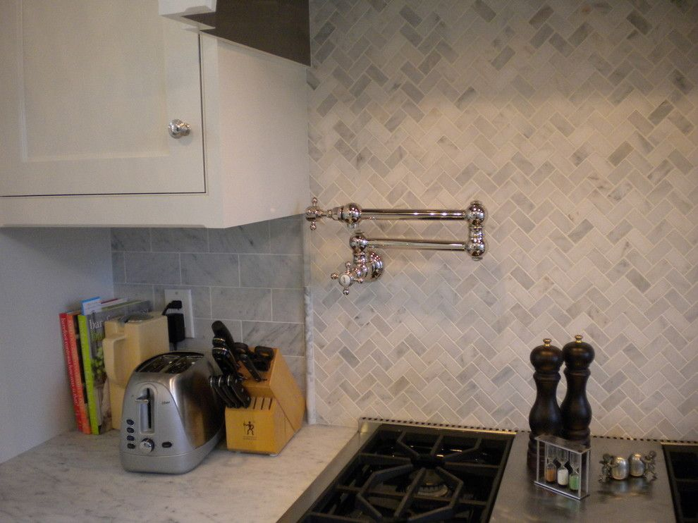 Northport Water for a Traditional Kitchen with a Farmhouse Sink and Northport Tradional by North Shore Cabinetry