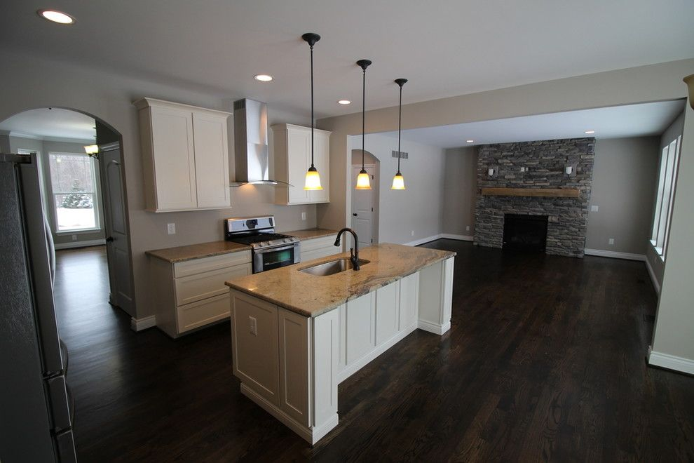 Norwich Discount Oil for a Transitional Kitchen with a Echelon Cabinetry and Gallery by Mintzer Building Company