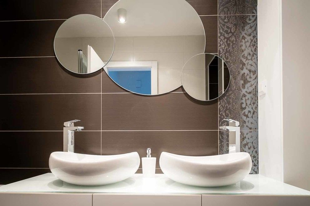 Orec for a Contemporary Bathroom with a Contemporary and House P Renovation by Arhi5ra / Petra Orec