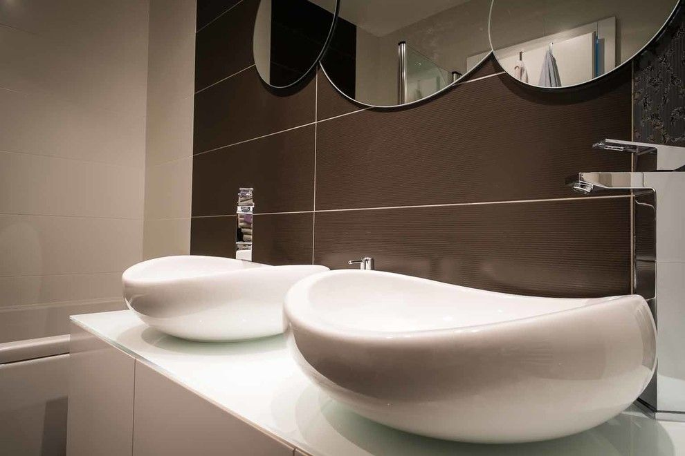 Orec for a Contemporary Bathroom with a Contemporary and House P Renovation by ARHI5RA / Petra Orec