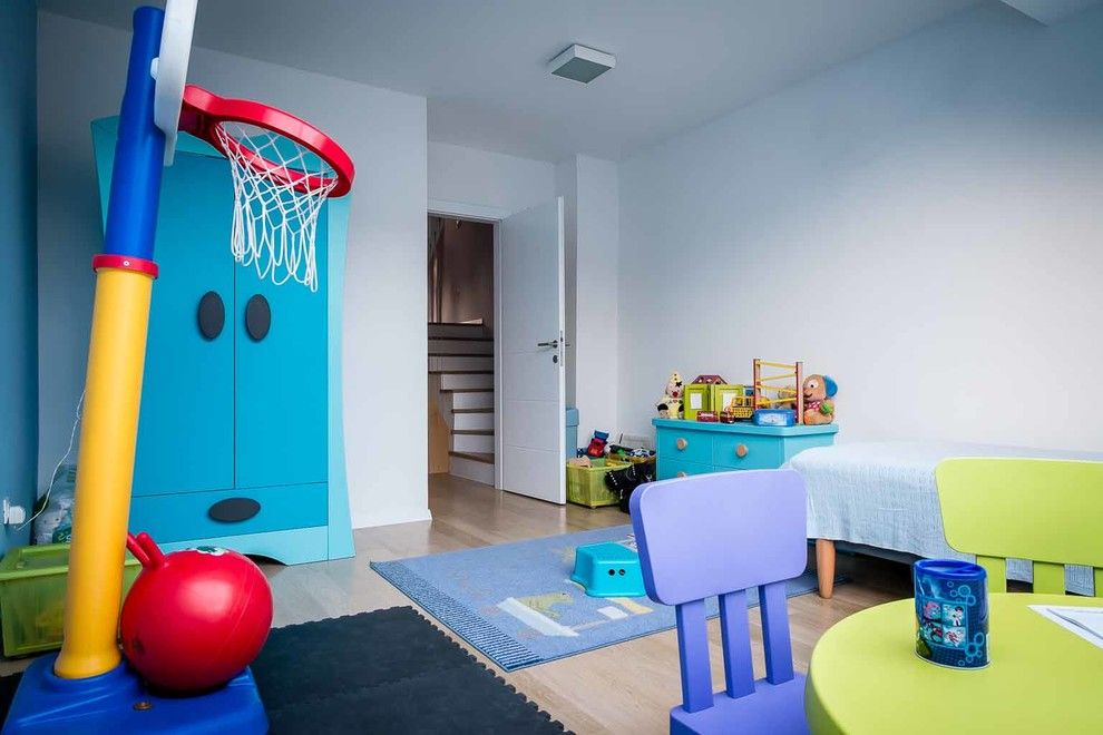 Orec for a Contemporary Kids with a Contemporary and House P Renovation by Arhi5ra / Petra Orec