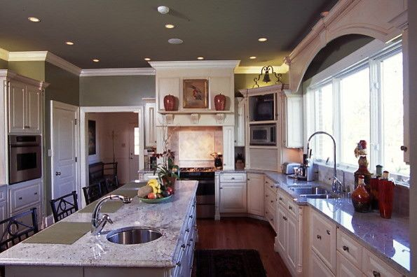 Overstock Lexington Ky for a Traditional Kitchen with a Kitchen and Barrow Wood Lane, Lexington Ky by Warner Builders