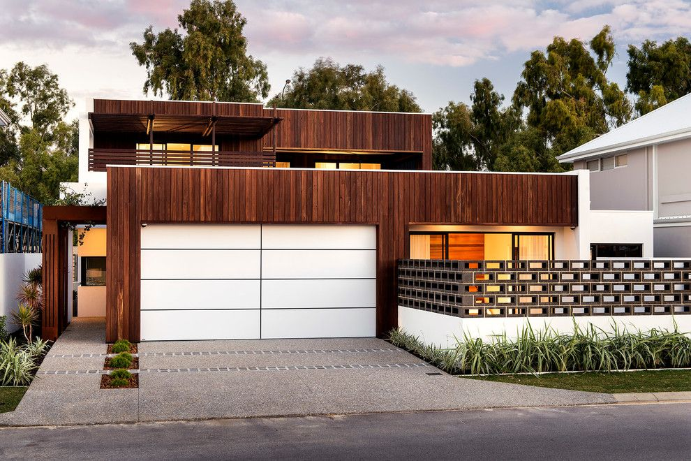 Paint Aluminum Siding for a Contemporary Exterior with a Curb Appeal and Gwelup by Residential Attitudes