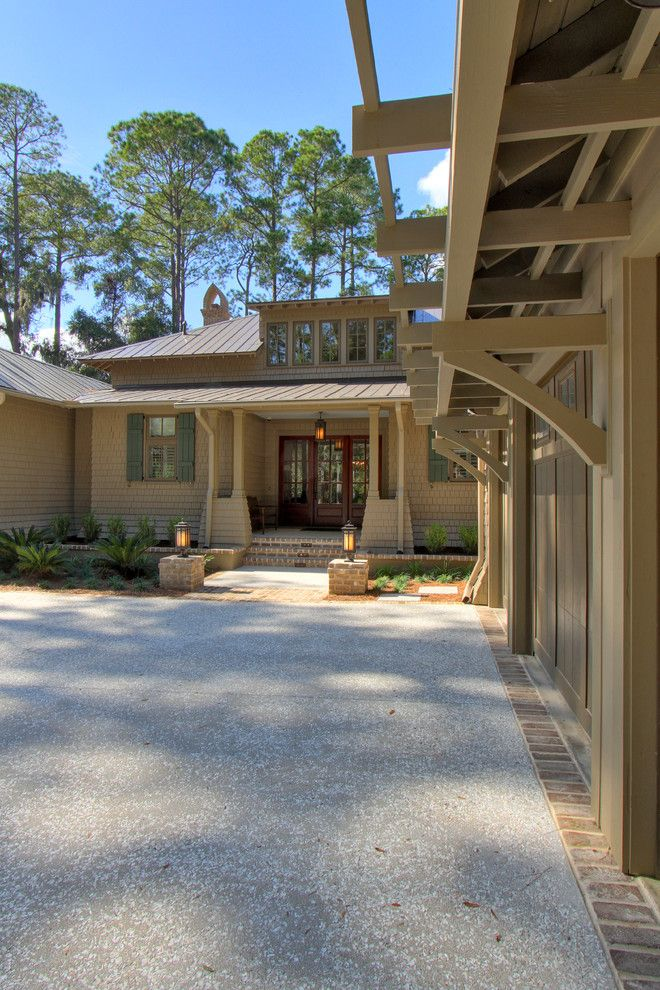 Palmetto Bluff Sc for a Traditional Exterior with a Traditional and Palmetto Bluff Home and Guest House by Ellis Construction Co., Inc.