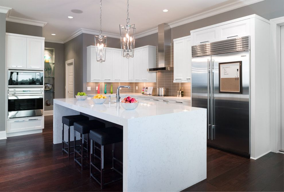 Paragone Reviews for a Contemporary Kitchen with a Cambriaquartz and Torquay From the Marble Collection by Cambria