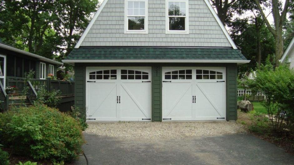 Paragone Reviews for a Craftsman Garage with a Garage Doors and Carriage House Overlay by Empire Overhead Doors, Llc
