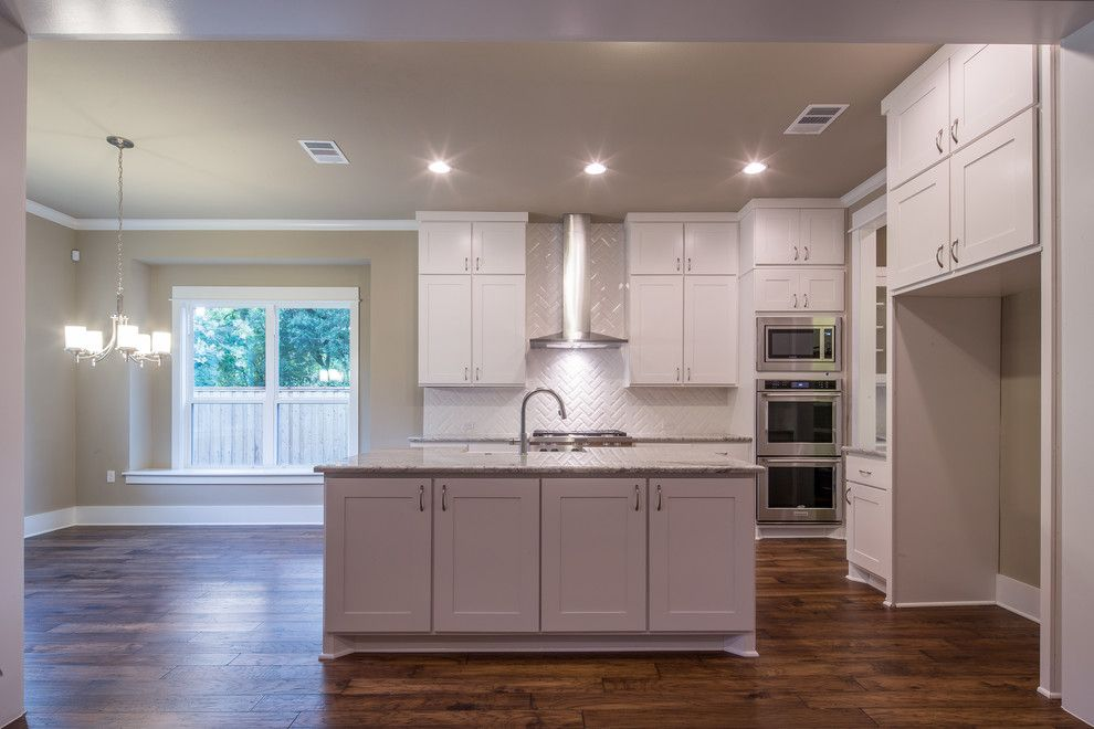 Parkview Homes for a Craftsman Kitchen with a Range Hood and Parkview, Austin, Tx by Brohn Homes