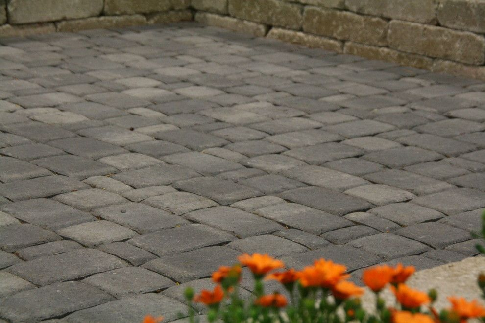 Pavestone for a Traditional Landscape with a Outdoor Living and Pavestone Plaza Seating Area by Whiz-Q Stone