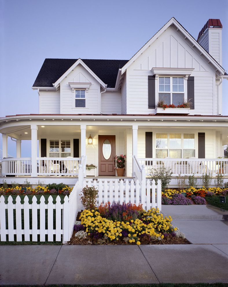 Picket Fence Realty for a Traditional Exterior with a White Patio Railing and Parade of Homes by TruStile Doors