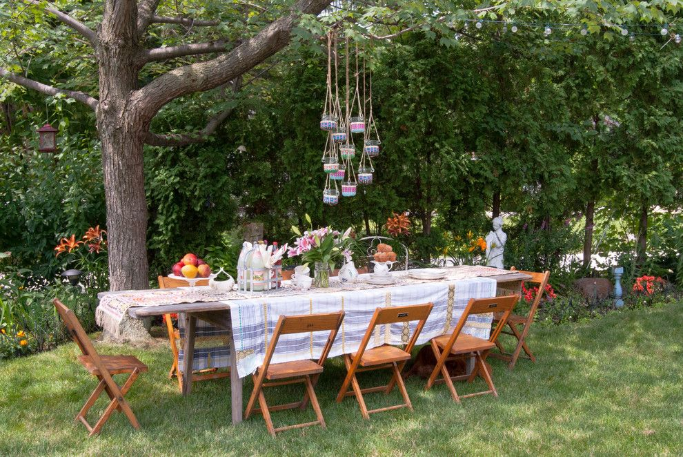 Picnic Basket Nyc for a Shabby Chic Style Landscape with a Outside Dining and My Houzz: Garage Sale Meets Glam in Ohio by Adrienne Derosa
