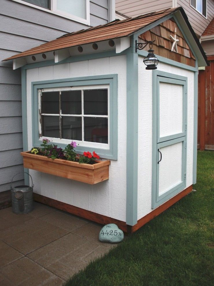 Proflower for a Traditional Shed with a Shingle Siding and It's the Little Things That Make a House a Home by Itsthelittlethingsthatmakeahouseahome.blogspot.com