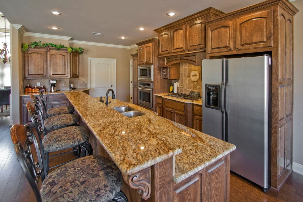 Quail Valley Golf Course for a Traditional Kitchen with a Traditional and Open Kitchen Design for Benton Arkansas Home by D&d Homes