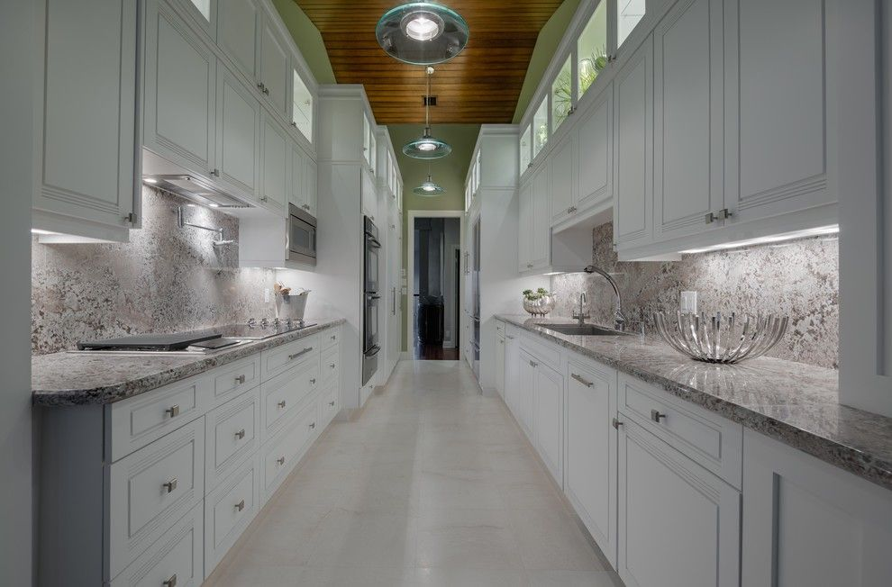 Quartz Countertops vs Granite for a Contemporary Kitchen with a Pendant Lights and Jupiter Real Estate by Michael Laurenzano Photography