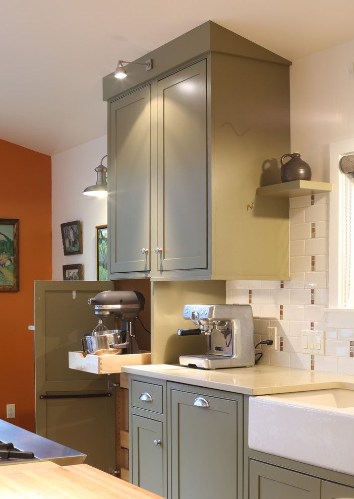 Rainforest Cafe Seattle for a Farmhouse Kitchen with a Knife Block and Heron Road by Bauer Clifton Interiors