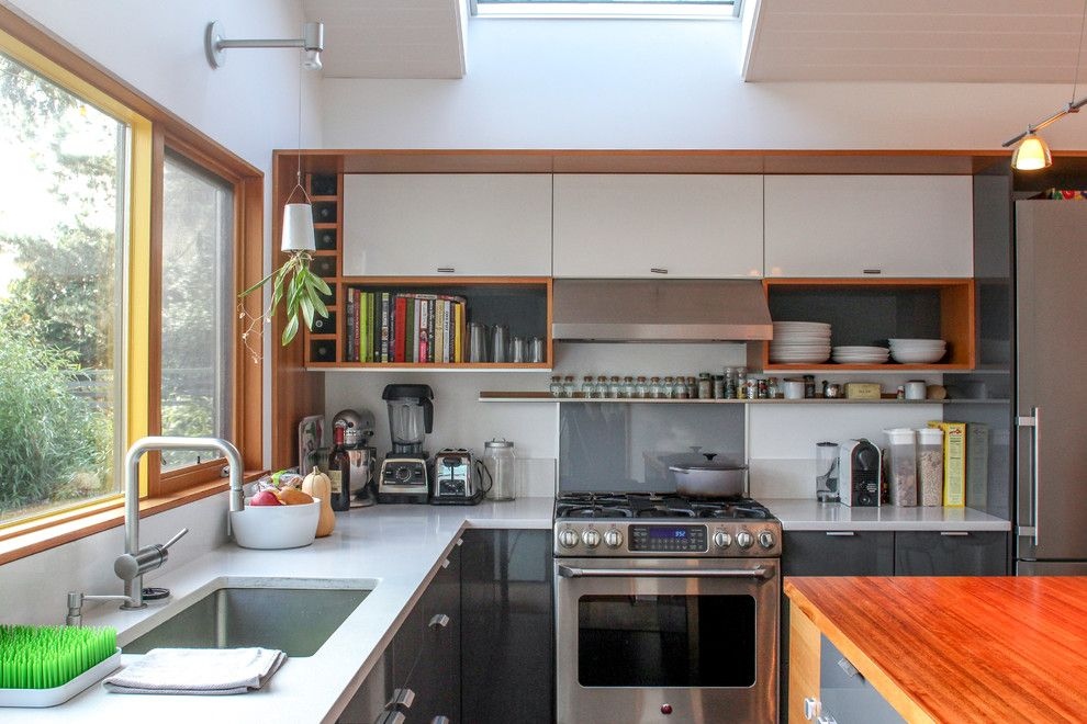 Rainforest Cafe Seattle for a  Kitchen with a My Houzz and My Houzz: A Modern Update That Grows with Family by Caela Mckeever