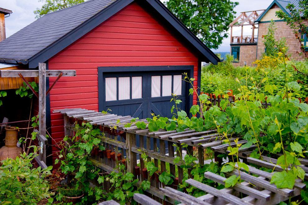 Raspberry Trellis for a Farmhouse Landscape with a Farmehouse and Urban Farmstead by Wedesign Inc